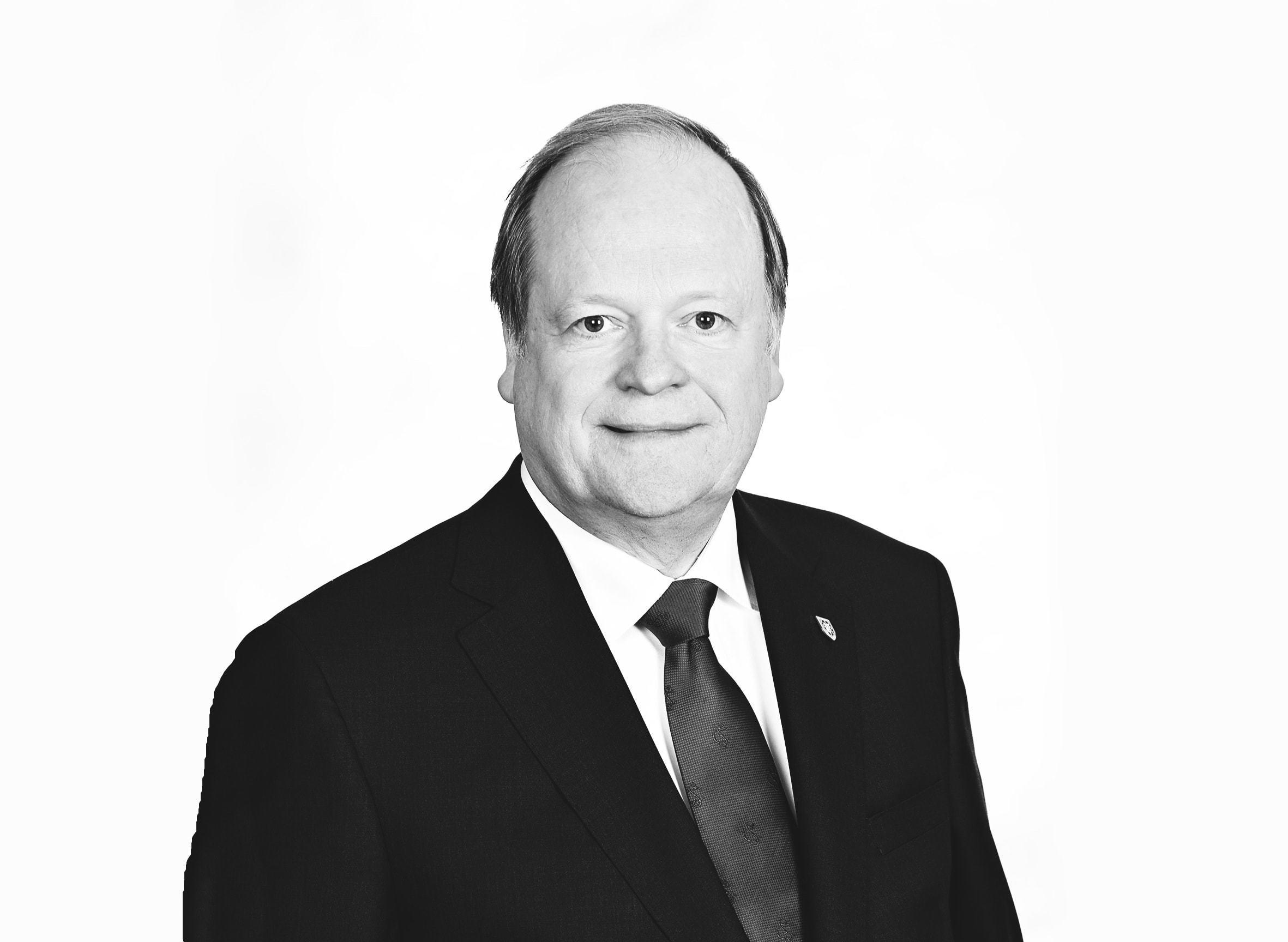The Honourable Thomas Albert Cromwell (CNW Group/Borden Ladner Gervais LLP)